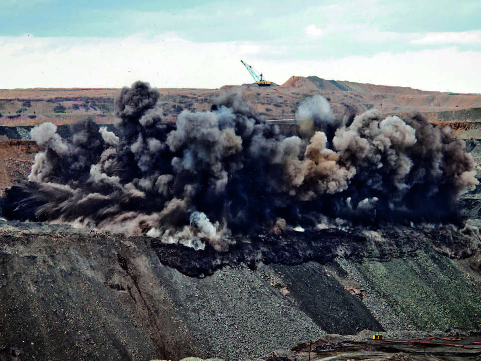 State and prospects of development of commercial explosives in Russia and abroad
