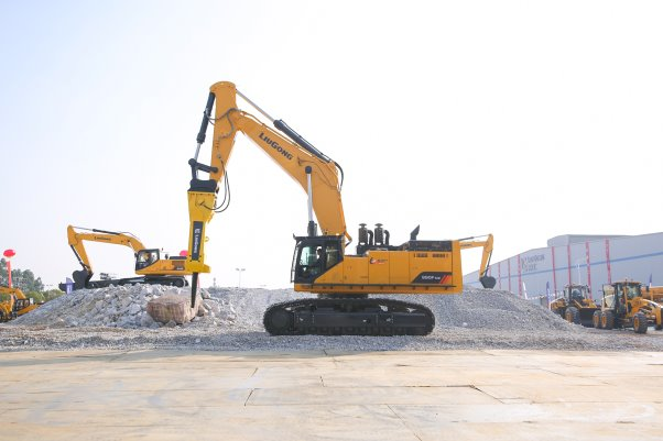 The machine is to launch in domestic market in January, 2019. Excavator - 990F